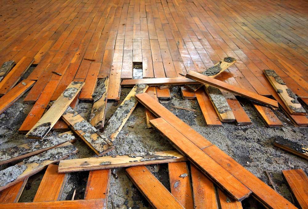 Byta golv i ett rum